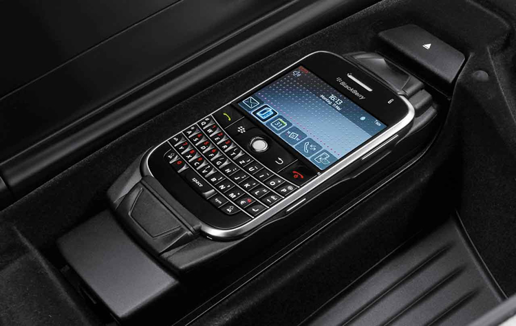 snap in blackberry dans accessoires d 39 origine bmw. Black Bedroom Furniture Sets. Home Design Ideas