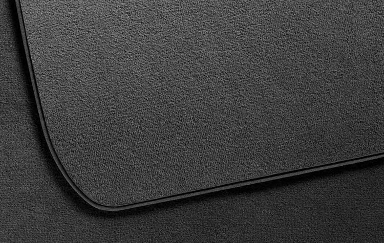 jeu de 4 tapis de sol velours anthracitepour s rie 1 e87 dans accessoires d 39 origine bmw. Black Bedroom Furniture Sets. Home Design Ideas