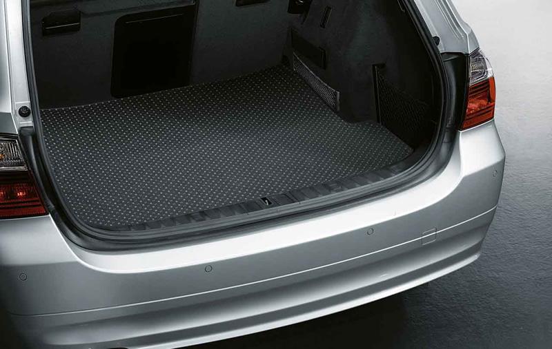 tapis de coffre sur mesure pour bmw s rie 3 e91 dans accessoires d 39 origine bmw accessoires. Black Bedroom Furniture Sets. Home Design Ideas